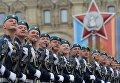Военнослужащие на военном параде, посвященном 72-й годовщине Победы в Великой Отечественной войне 1941-1945 годов