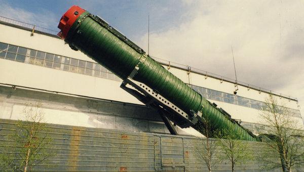 Système de combat de missiles de chemin de fer